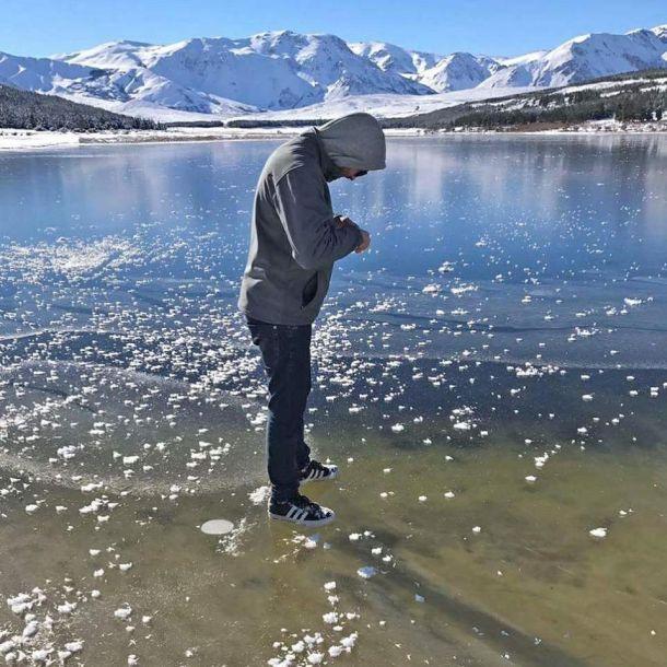 Volop winter in Argentinië. De foto toont het bevroren Lago La Zeta (bron: via Met Uy Estacion Bp).