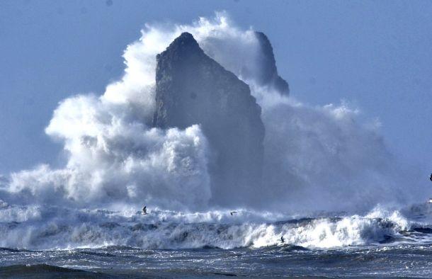 Golfhoogten tot ruim 9 meter (!) beukten donderdag 25 januari op de kust van British Columbia, Canada (bron:  The Weather Network).