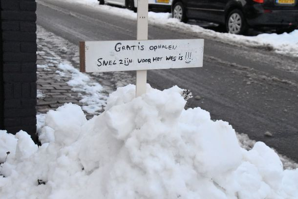 Sneeuw in de aanbieding! Foto van Aad Hogenboom, 12 december