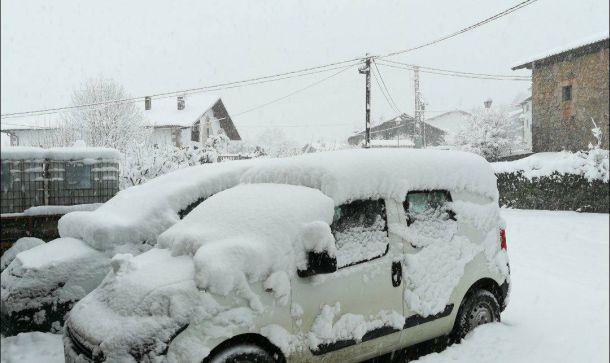 Zware sneeuwval in Navarra, 6 januari 2018 (bron: Sugoi Etxarri).