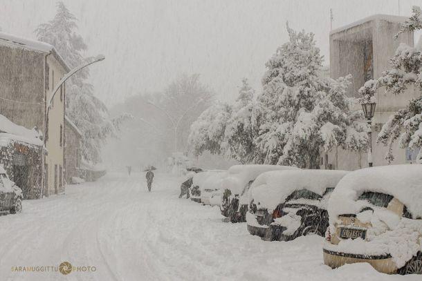 Hevige sneeuwval in de hogere delen van Sardinië (Barbagia). 17 januari 2017