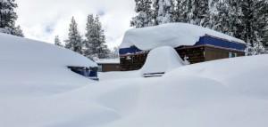 Enorme hoeveelheden sneeuw deze winter in de Sierra Nevada, California (bron: NOAA Satellites PA)