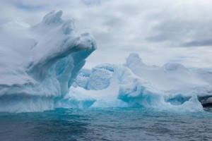 Indrukwekkende ijsformaties in de Antarctische wateren